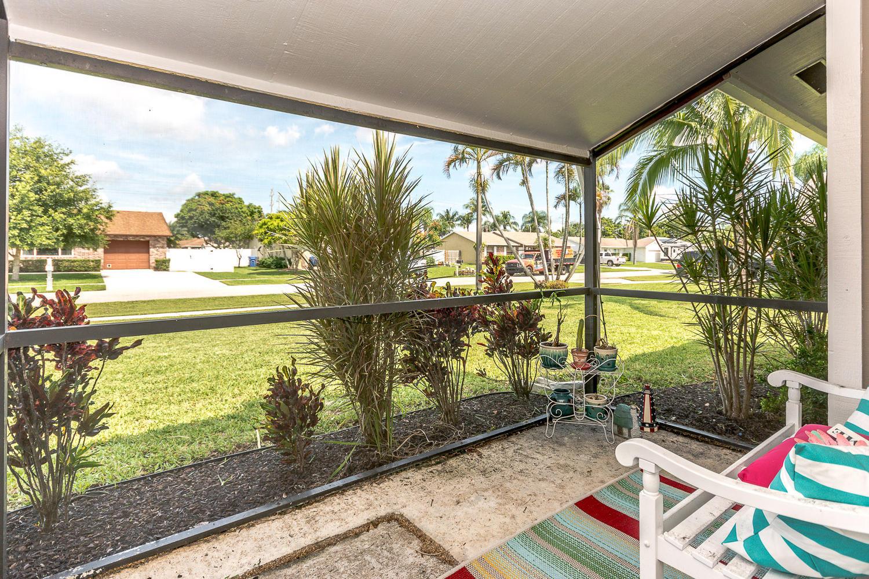 112 Cortes Avenue Royal Palm Beach, FL 33411 photo 22
