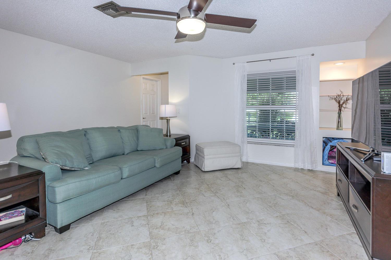 112 Cortes Avenue Royal Palm Beach, FL 33411 photo 4