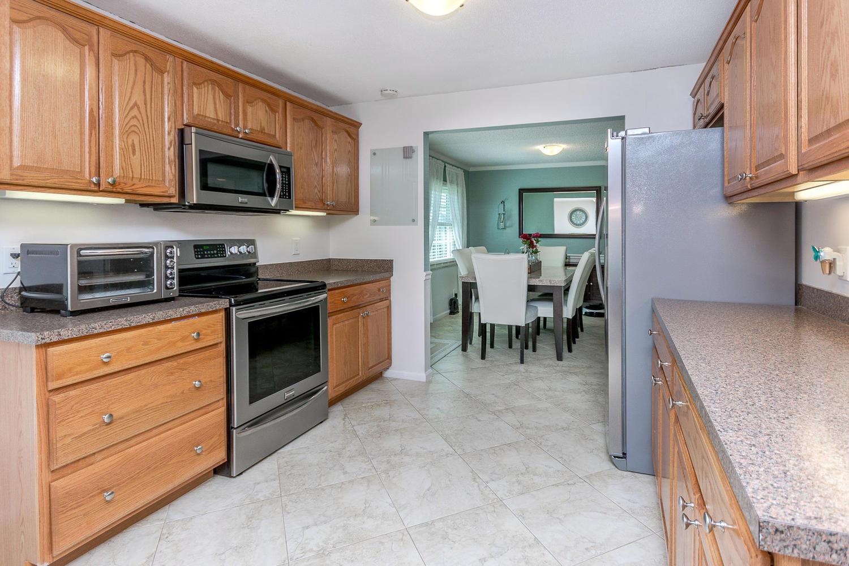 112 Cortes Avenue Royal Palm Beach, FL 33411 photo 2