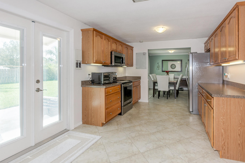 112 Cortes Avenue Royal Palm Beach, FL 33411 photo 13