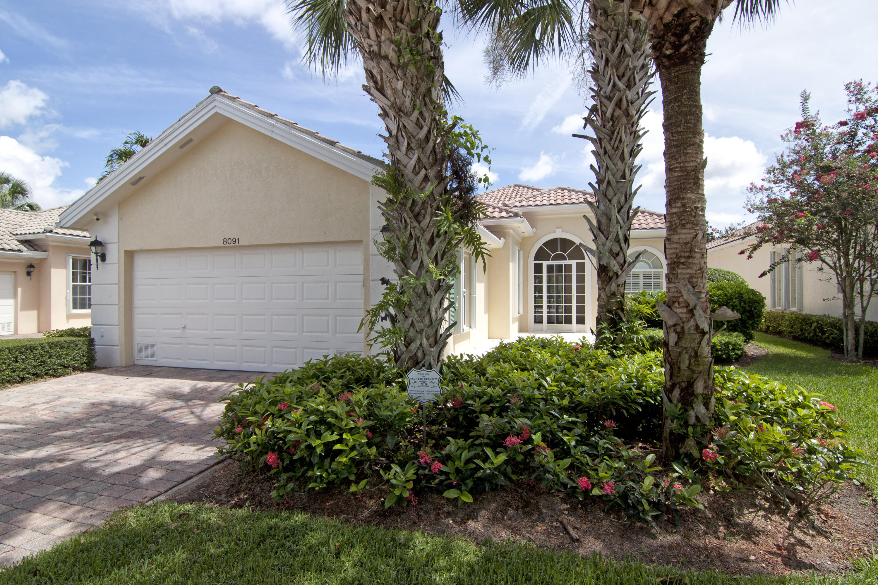 8091 Jolly Harbour Court Wellington, FL 33414 photo 2