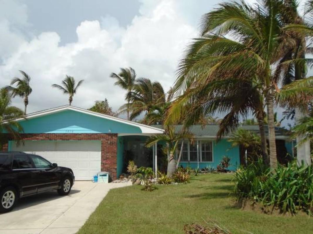 1610 Bahia Fort Pierce 34949
