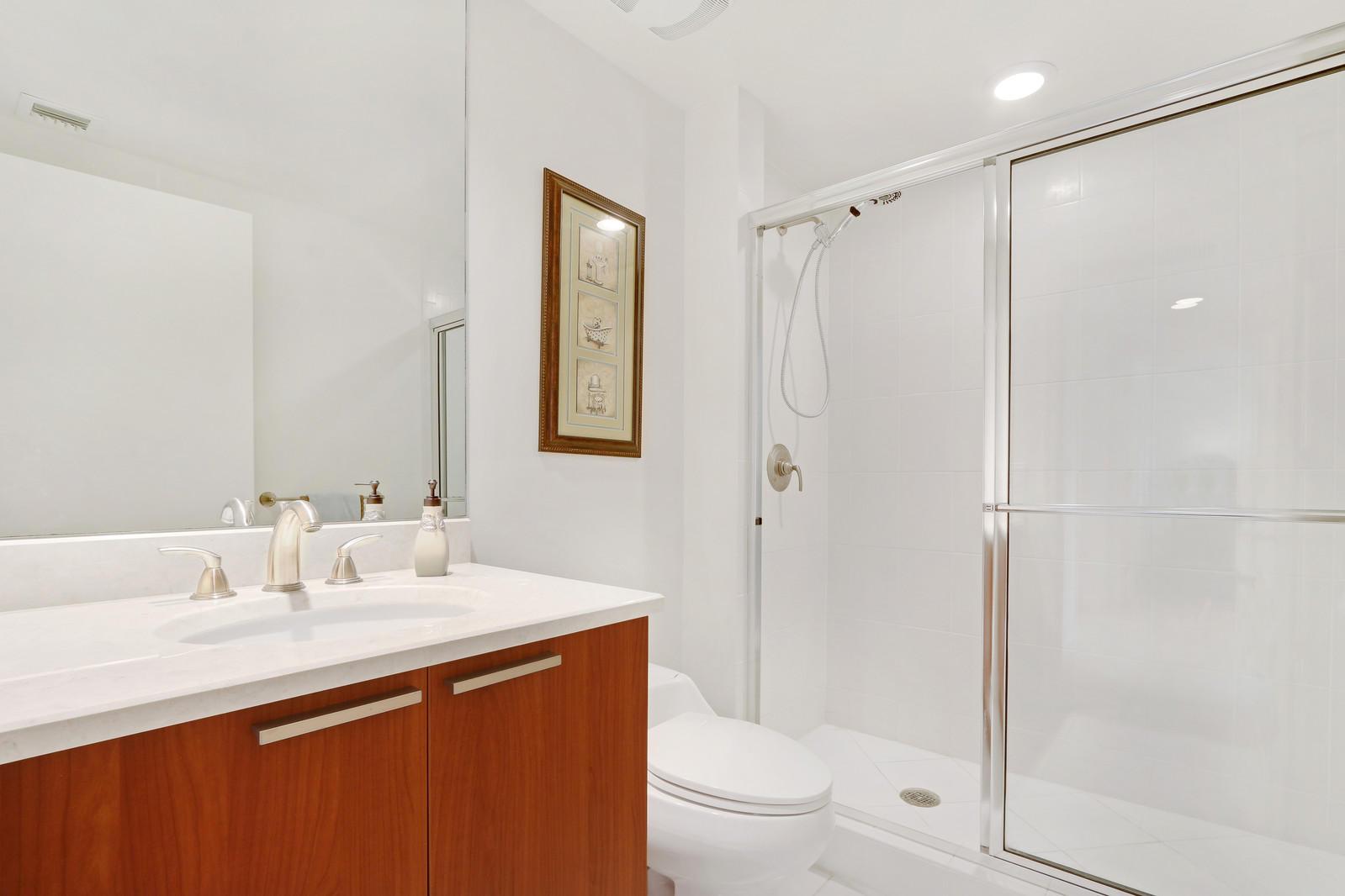 2640 Lake Shore Drive 1408, West Palm Beach, Florida 33404, 3 Bedrooms Bedrooms, ,3 BathroomsBathrooms,F,Condominium,Lake Shore,RX-10446586