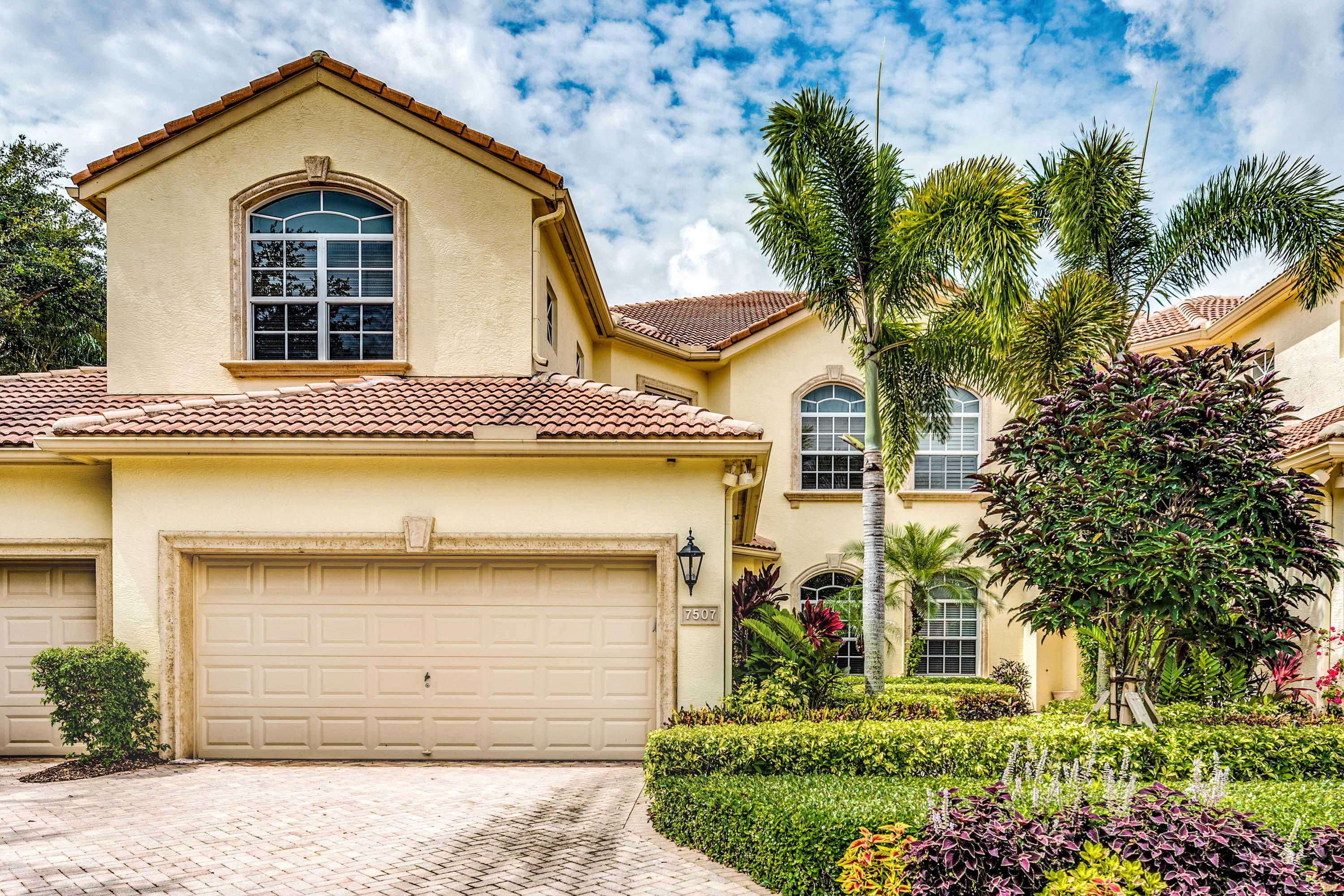 Home for sale in ORCHID HAMMOCK AT IBIS GOLF & COUNTRY CLUB CONDOMINIUM West Palm Beach Florida
