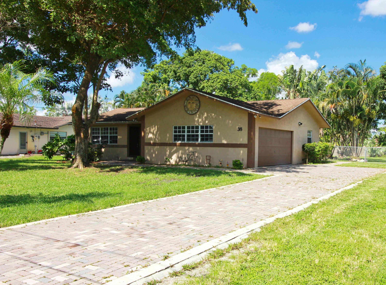 38 Barberton Road Lake Worth, FL 33467