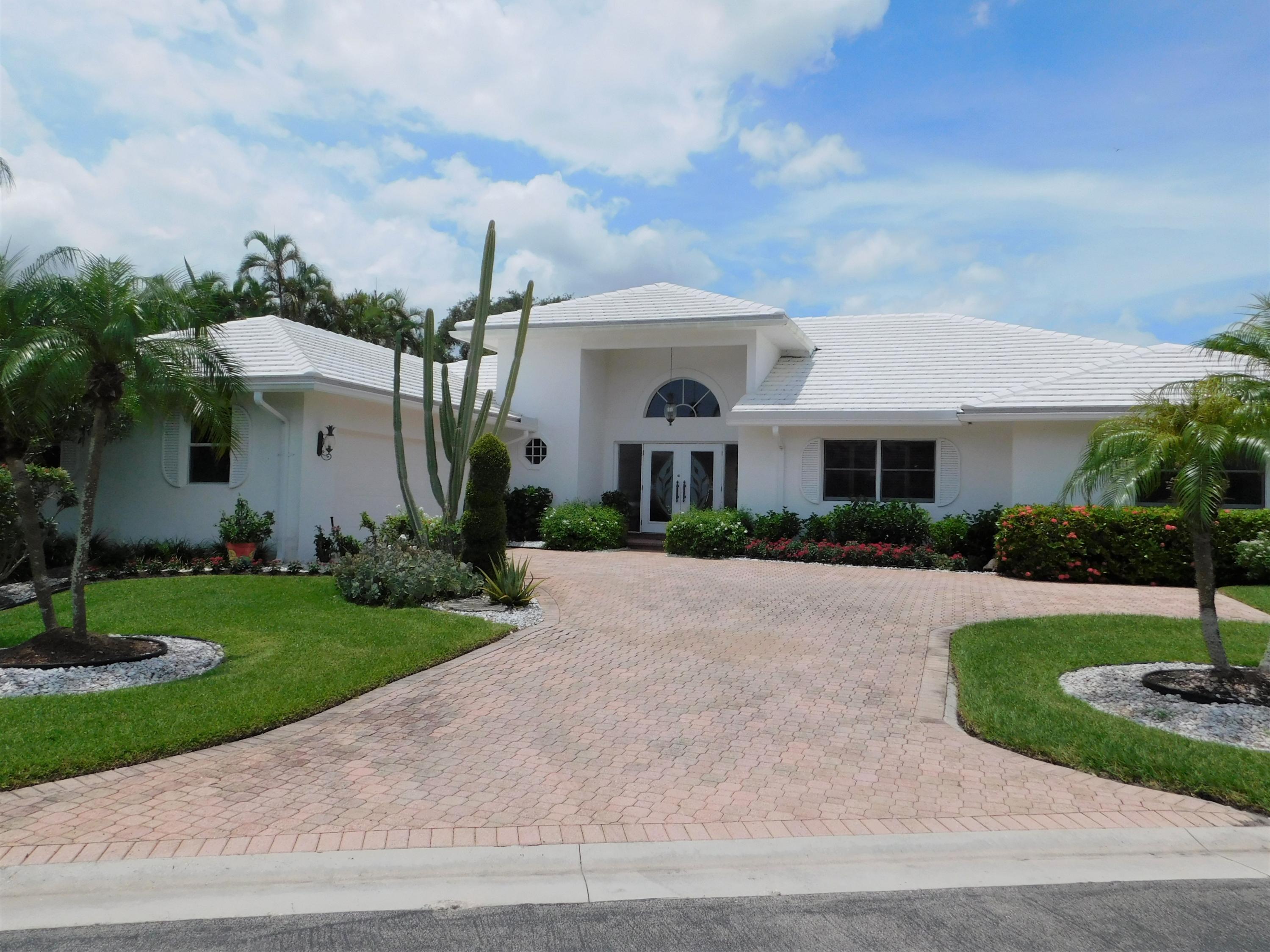 17 Sutton Drive Boynton Beach, FL 33436