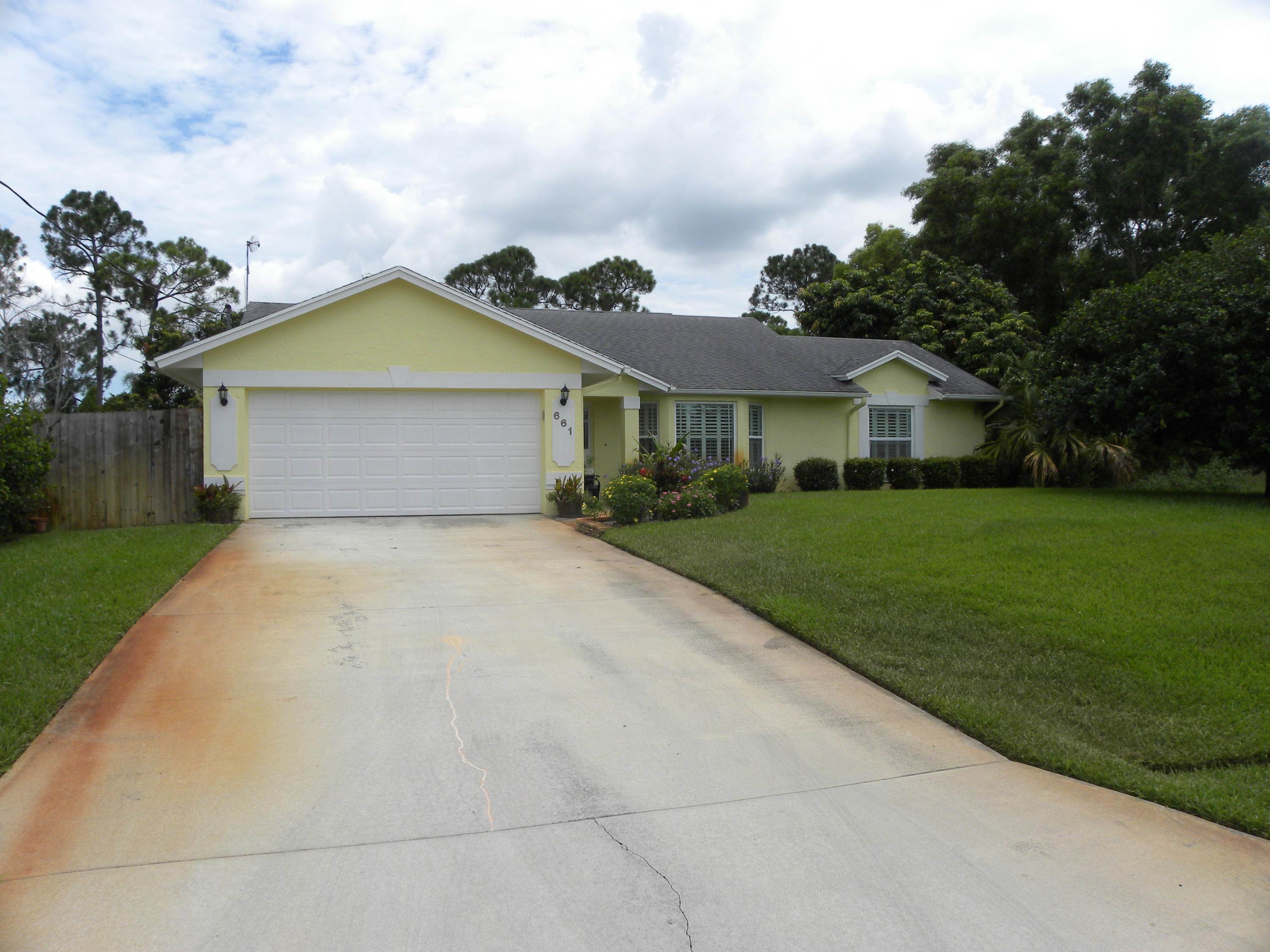 661 SE Delancey Lane, Port Saint Lucie, Florida