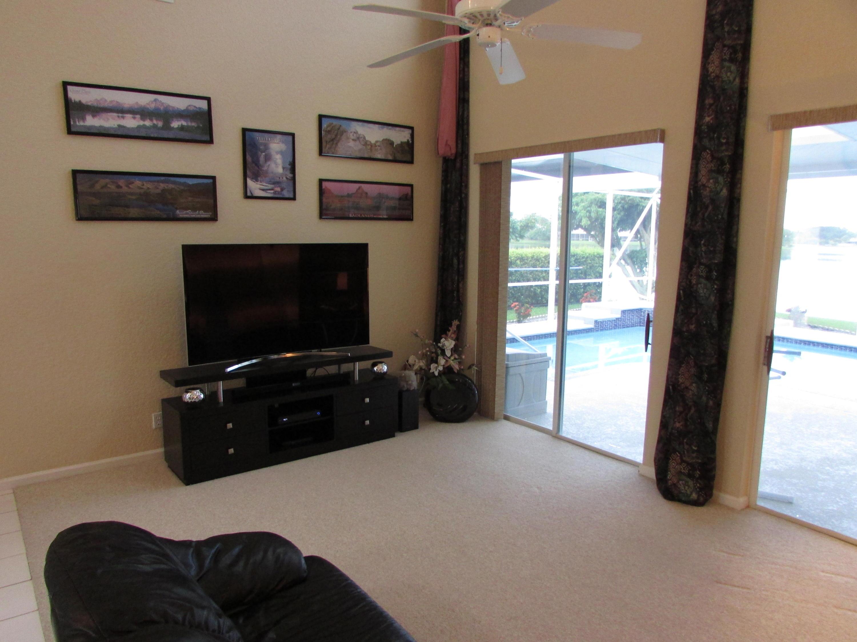 7161 Catalina Isle Drive Lake Worth, FL 33467 photo 11