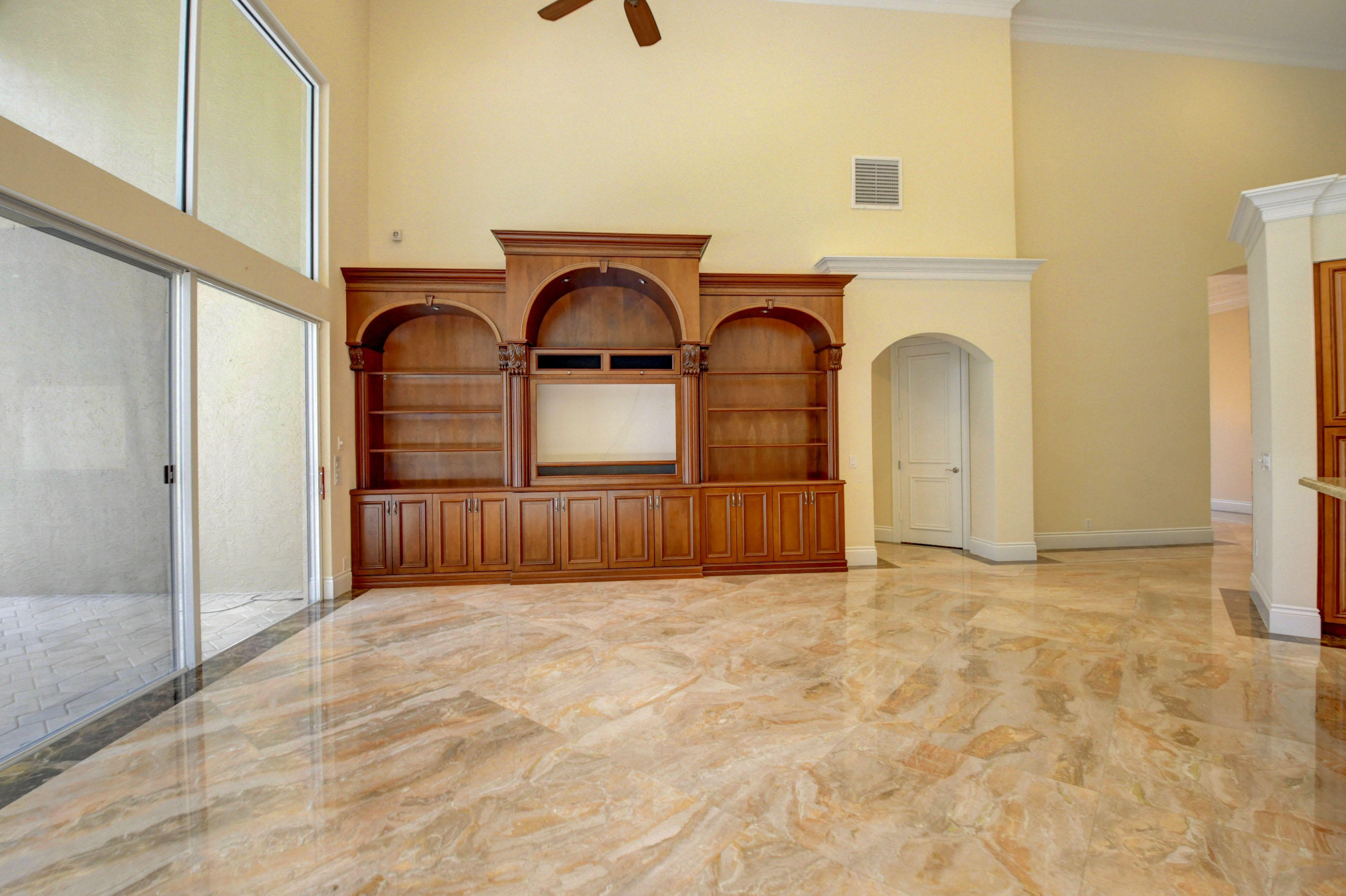WOODFIELD COUNTRY CLUB PROPERTY