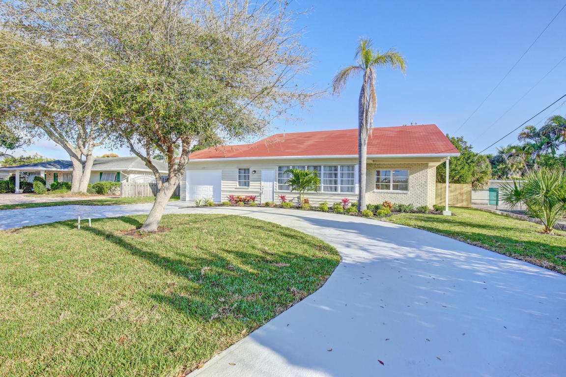 125 Alhambra Place West Palm Beach, FL 33405