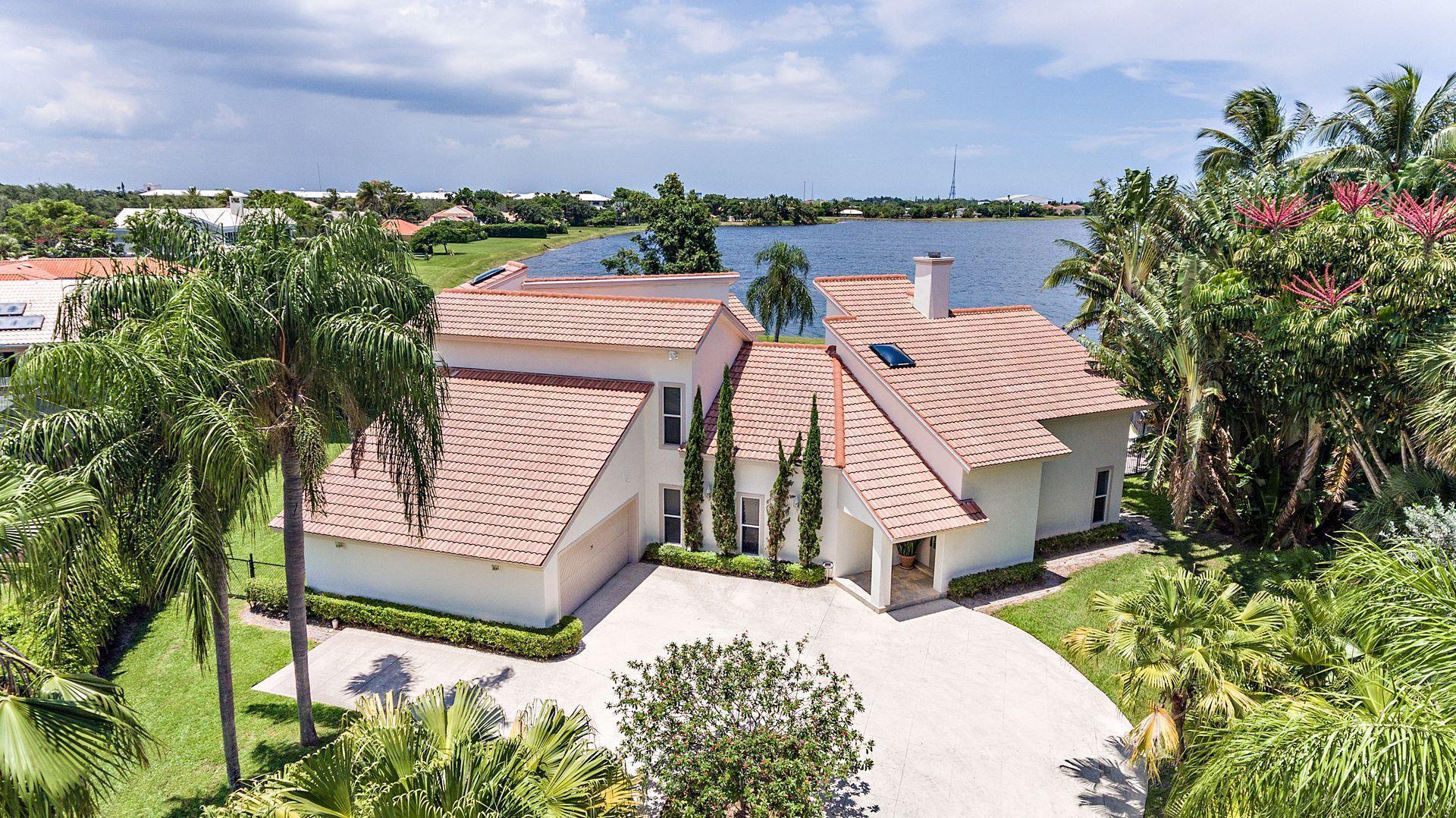 4 Woodbrook Circle West Palm Beach, FL 33401