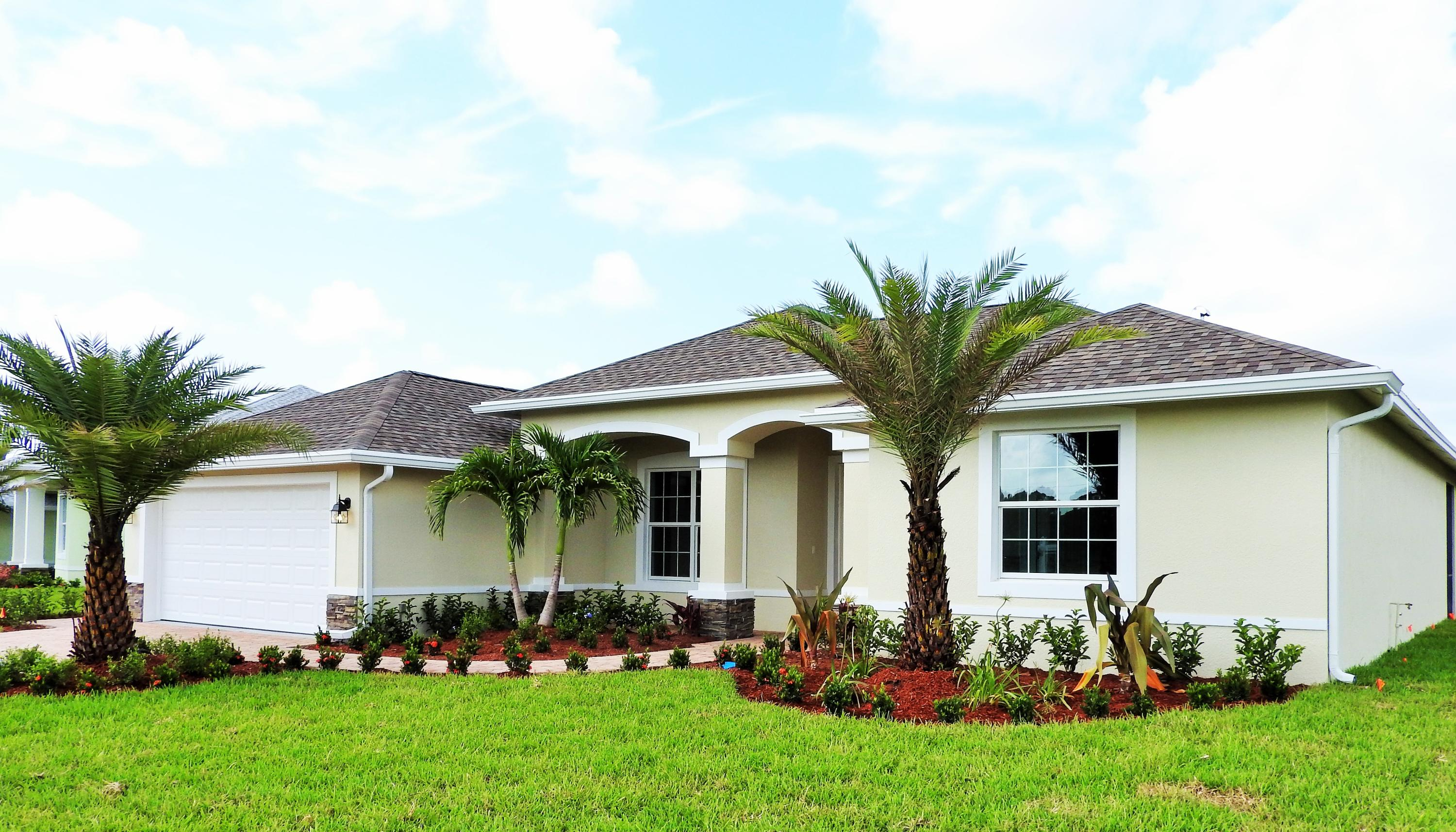 376 SW Vista Lake Drive, Port Saint Lucie, Florida