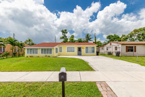 Broadview Country Club Estates - North Lauderdale - RX-10449618