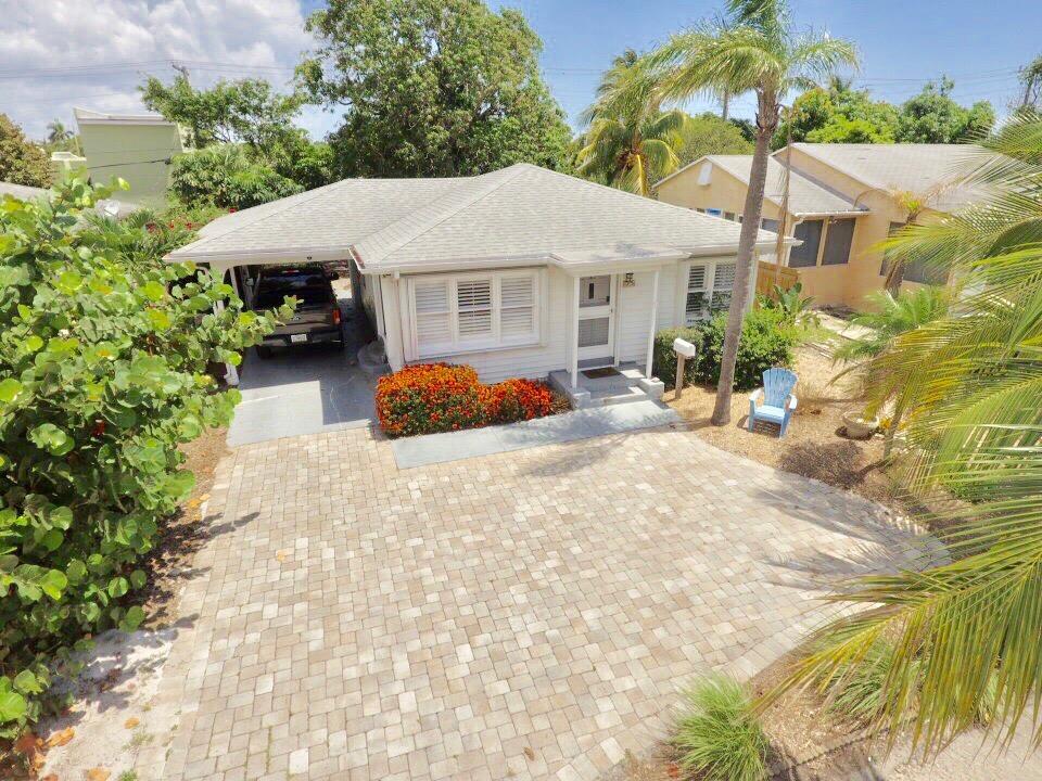 425 Forest Hill Boulevard West Palm Beach, FL 33405 photo 1