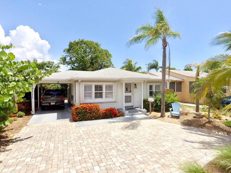 425 Forest Hill Boulevard West Palm Beach, FL 33405 photo 3