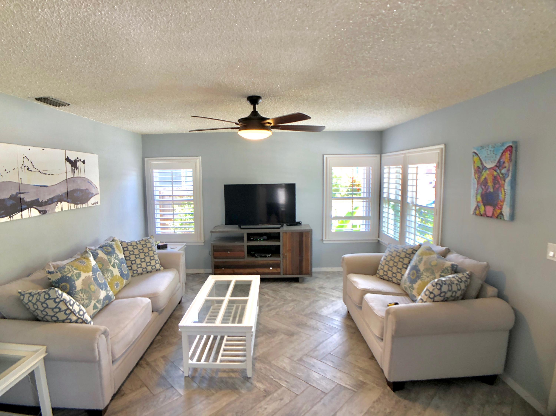 425 Forest Hill Boulevard West Palm Beach, FL 33405 photo 8