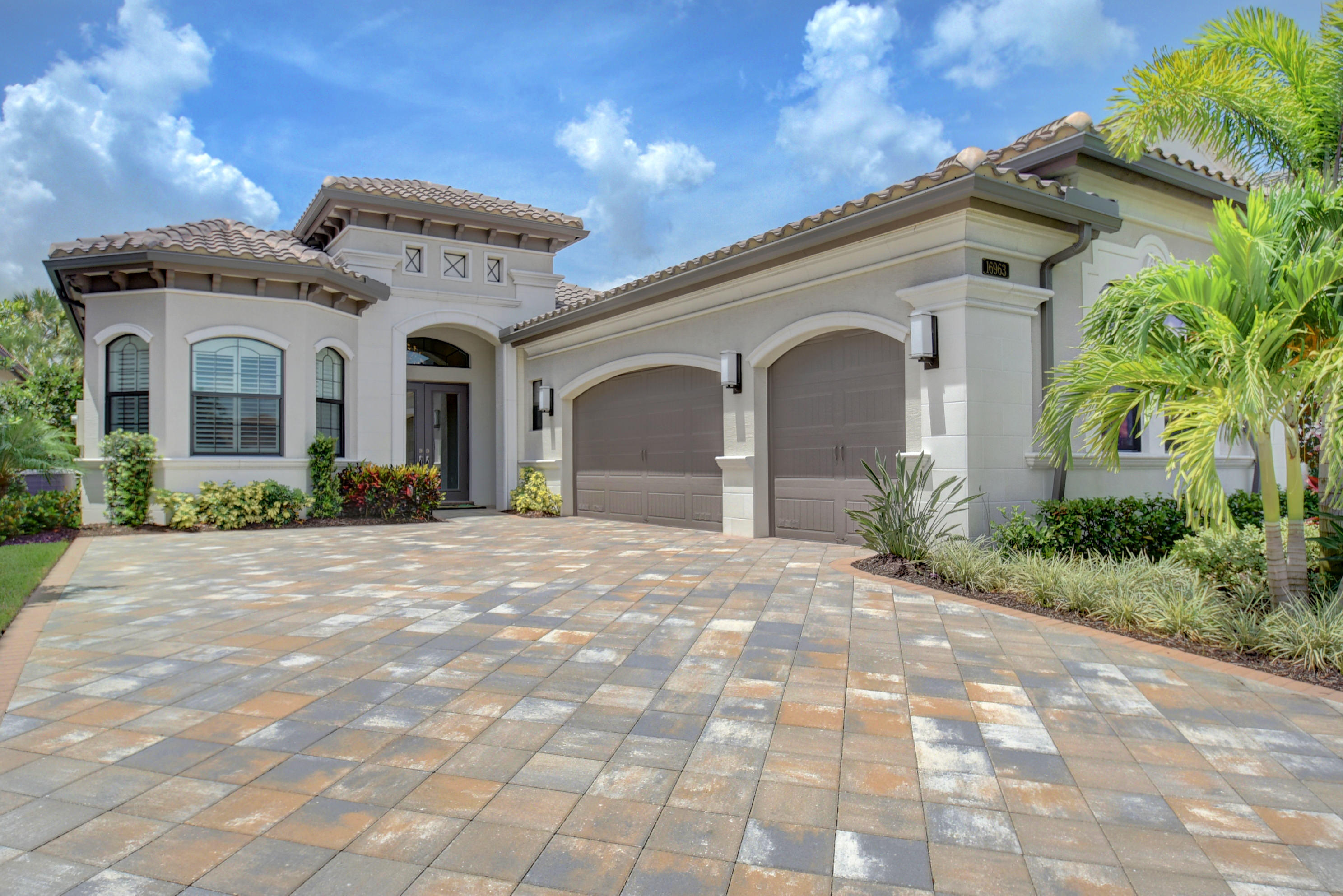 16963 Pavilion Way  Delray Beach, FL 33446