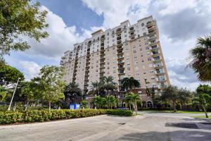 Montecito Palm Beach Condominium