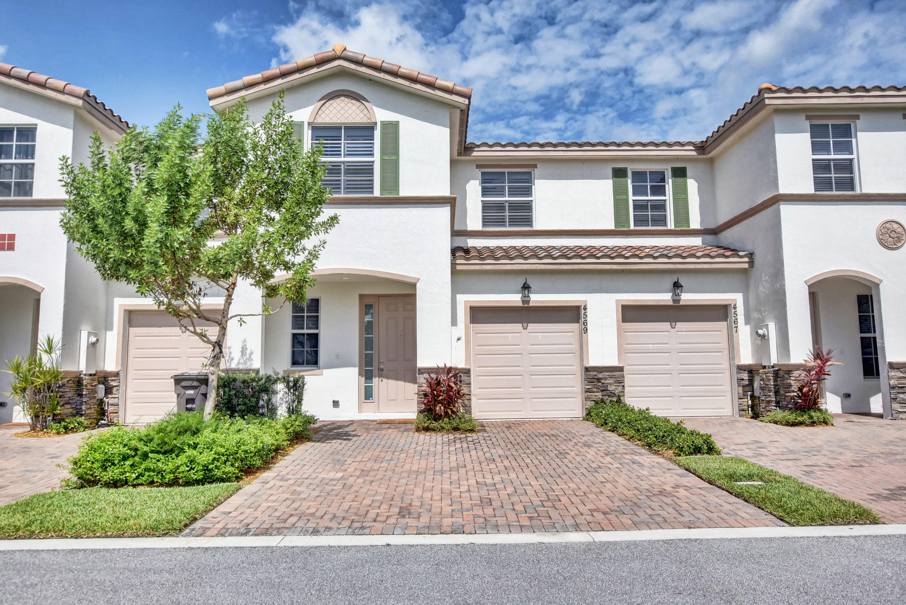 4569 Tara Cove Way - West Palm Beach, Florida