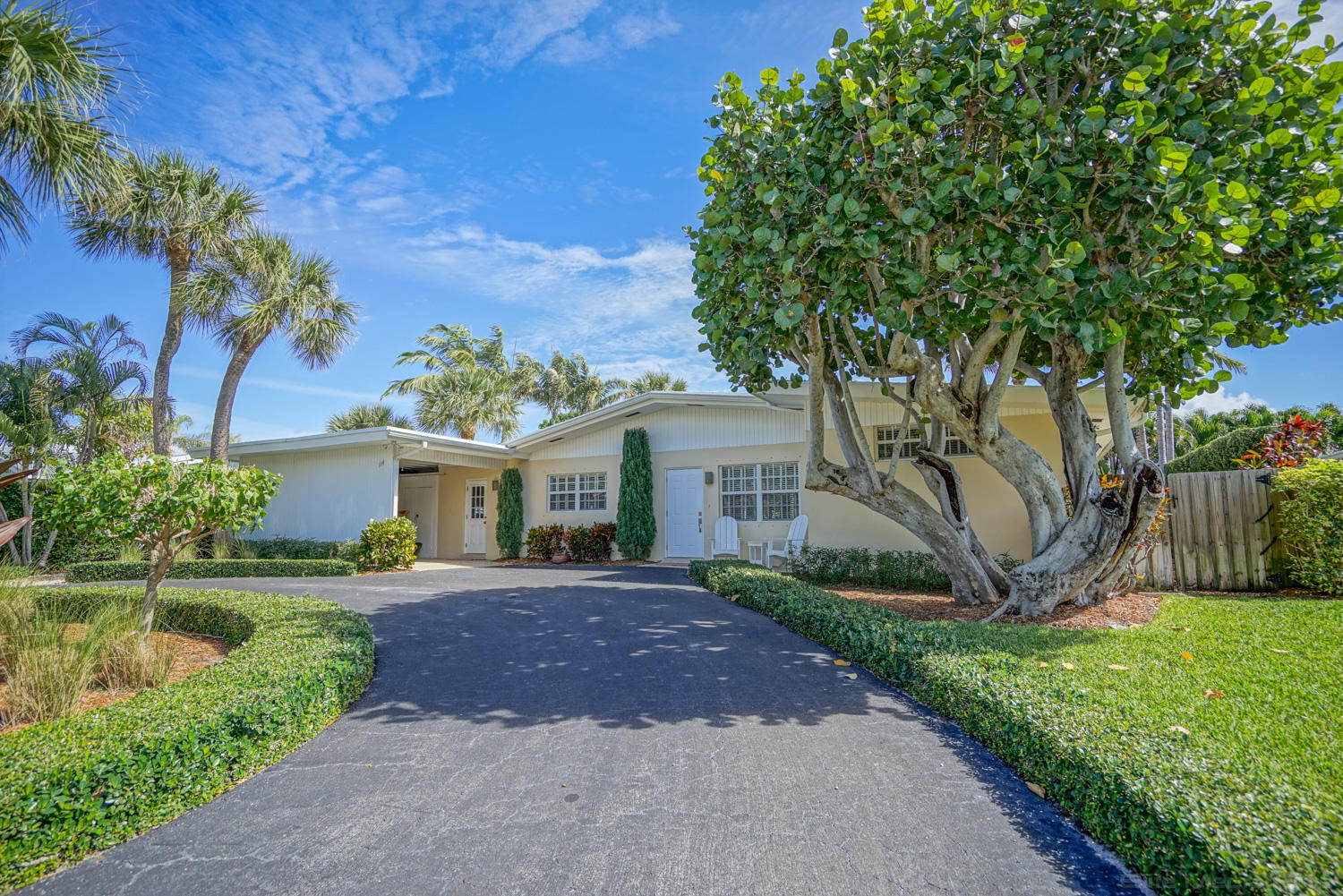 Home for sale in Jupiter Inlet Beach Colony Jupiter Florida