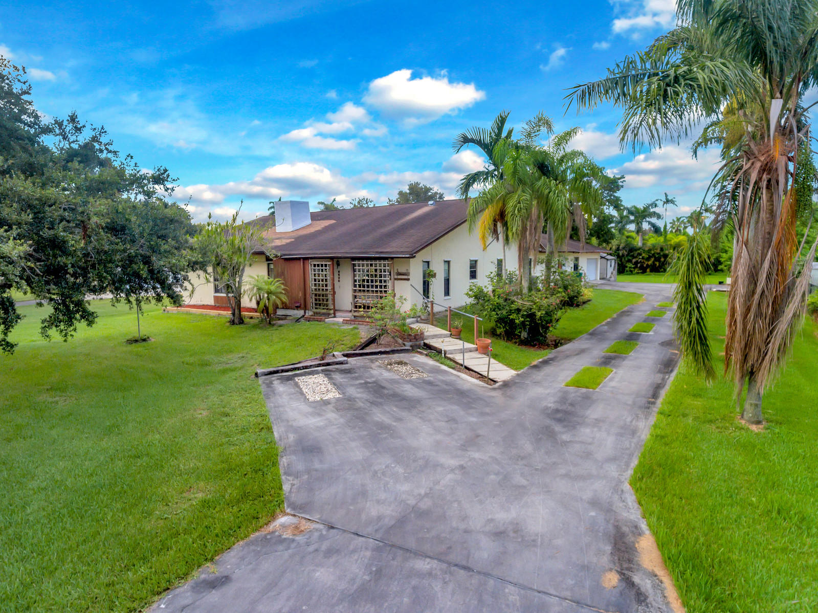 Home for sale in EVERGLADES LAND SALES CO SUB Davie Florida