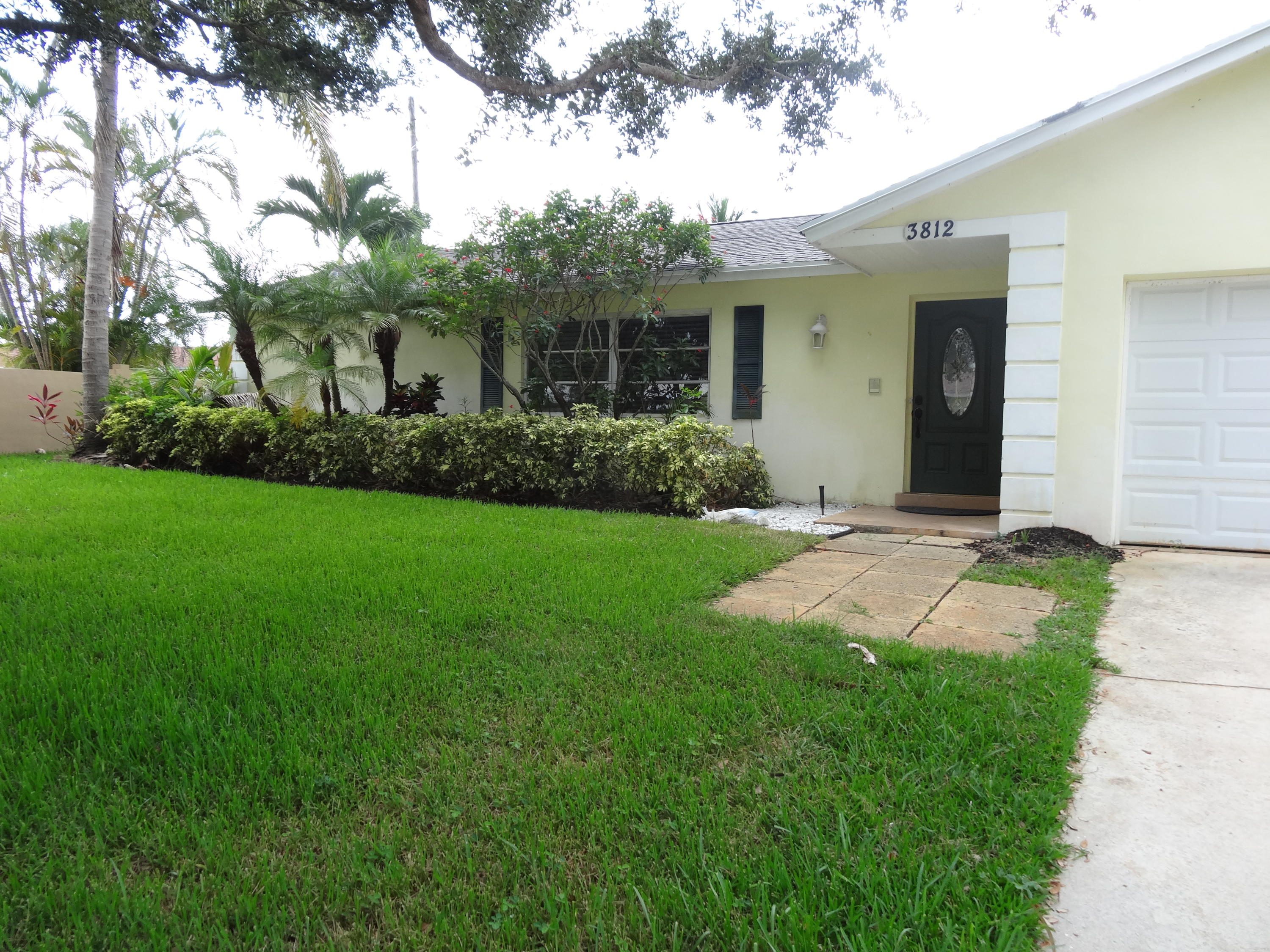 PALM BEACH GARDENS 3 PROPERTY