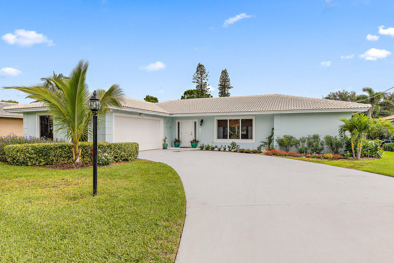 1951 Juno Isles Boulevard, North Palm Beach, Florida 33408, 4 Bedrooms Bedrooms, ,2.1 BathroomsBathrooms,A,Single family,Juno Isles,RX-10452592