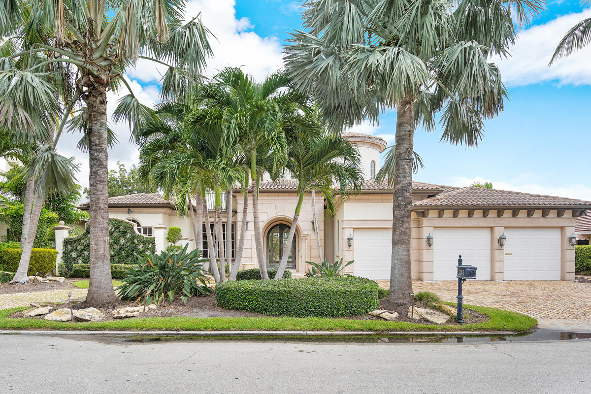 215 W Coconut Palm Road Boca Raton, FL 33432 photo 2