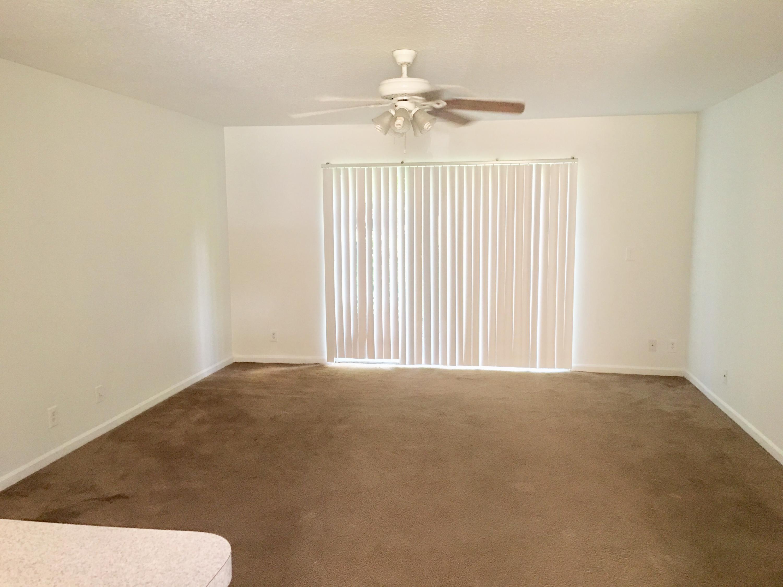 1608 W Lakeview Drive Royal Palm Beach, FL 33411 photo 3