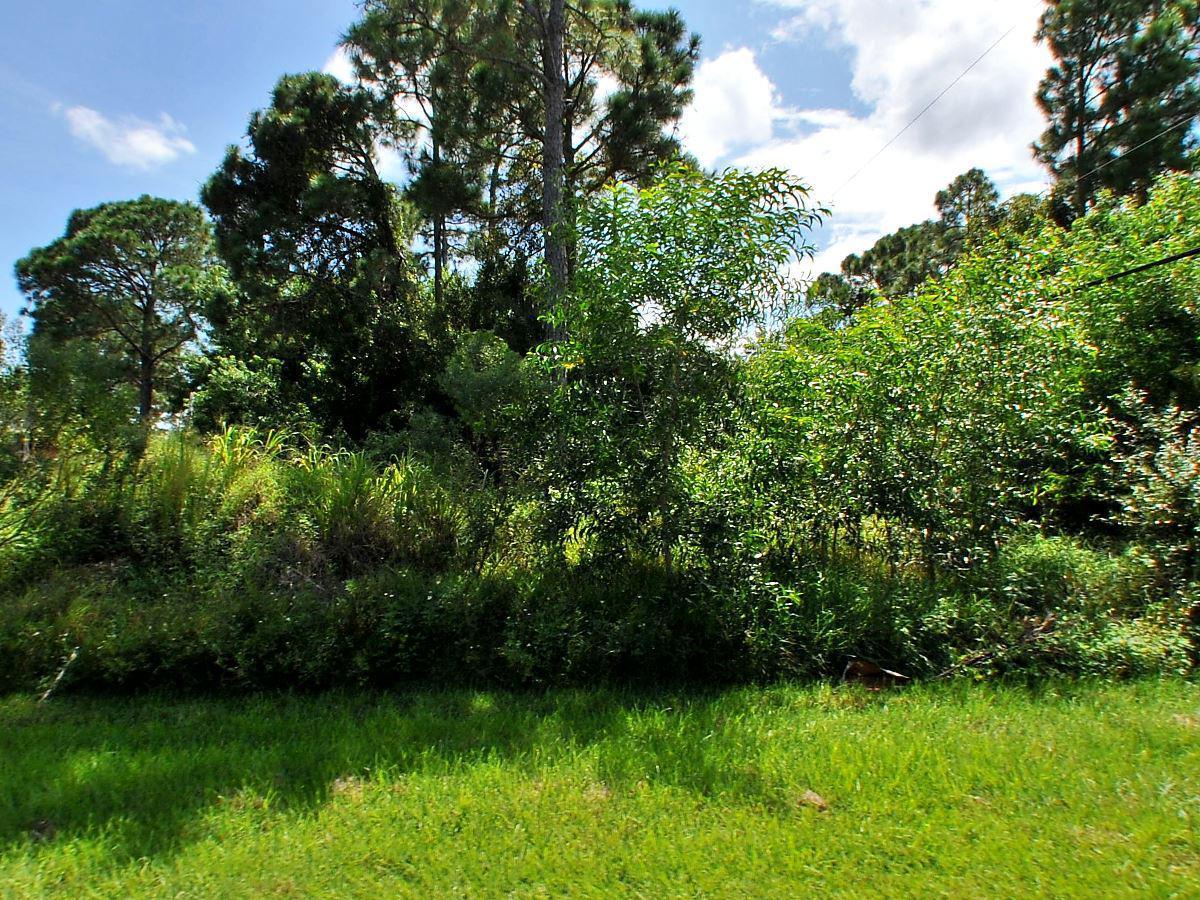 2720 SE Howell Avenue, Port Saint Lucie, Florida