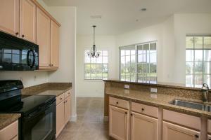 2360 WATER OAK COURT #324, VERO BEACH, FL 32962  Photo 11