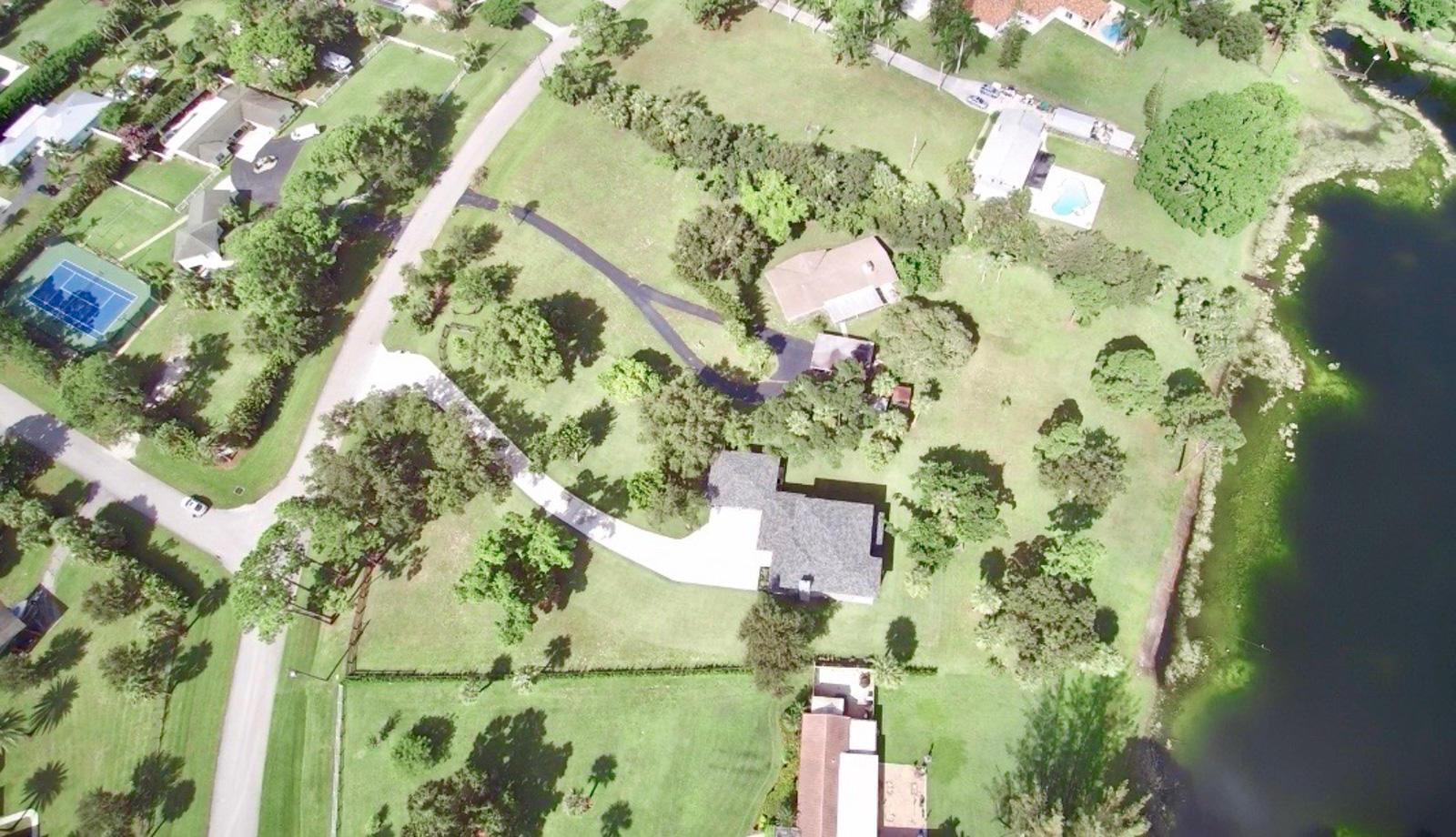 SQUARE LAKE PALM BEACH GARDENS FLORIDA