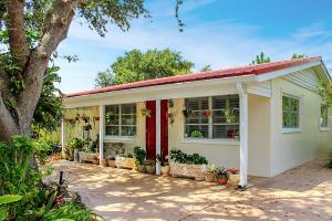 Palm Beach Gardens Estates