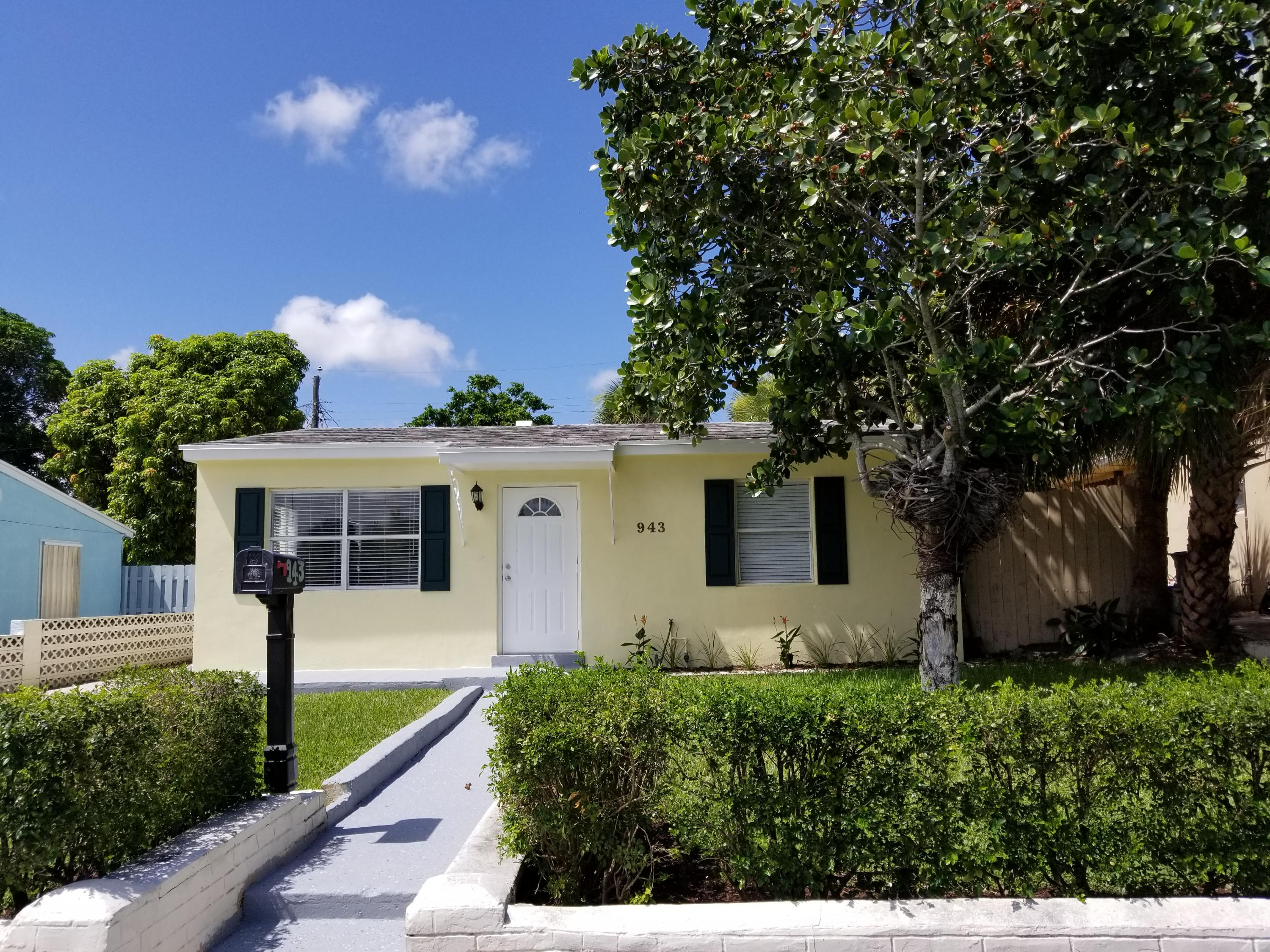 Home for sale in Lakeview Ridge West Palm Beach Florida