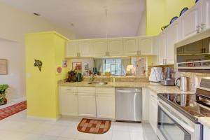 7628 Lexington Club Boulevard Delray Beach FL 33446 - photo 18