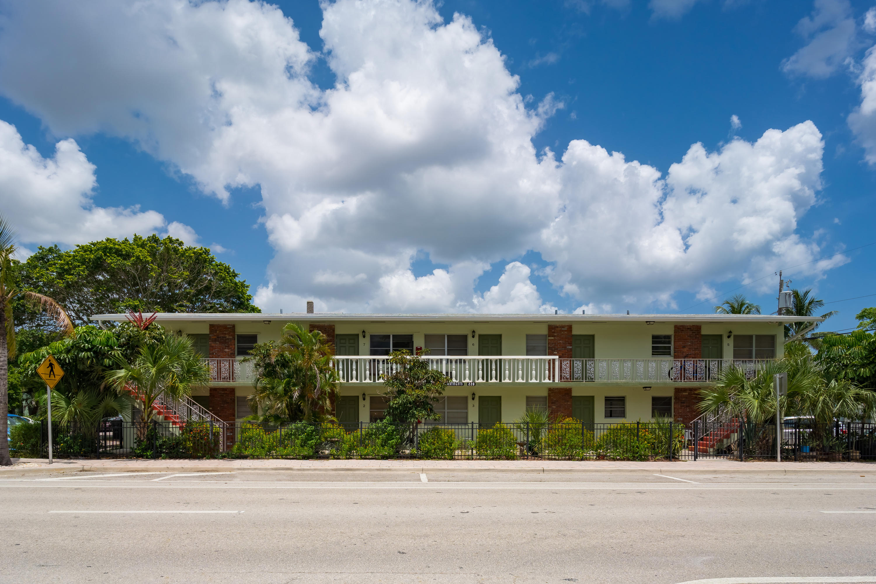 Home for sale in townsite apts one cond decl in Lake Worth Florida