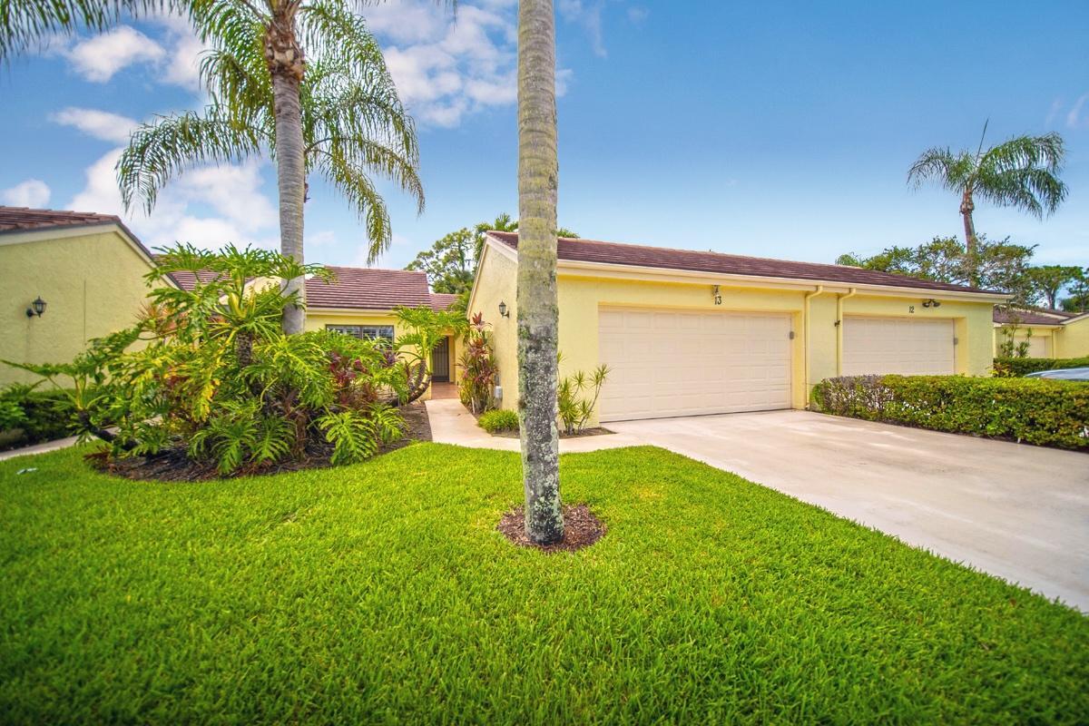 13 Edinburgh Drive, Palm Beach Gardens, Florida 33418, 3 Bedrooms Bedrooms, ,2 BathroomsBathrooms,A,Townhouse,Edinburgh,RX-10456267
