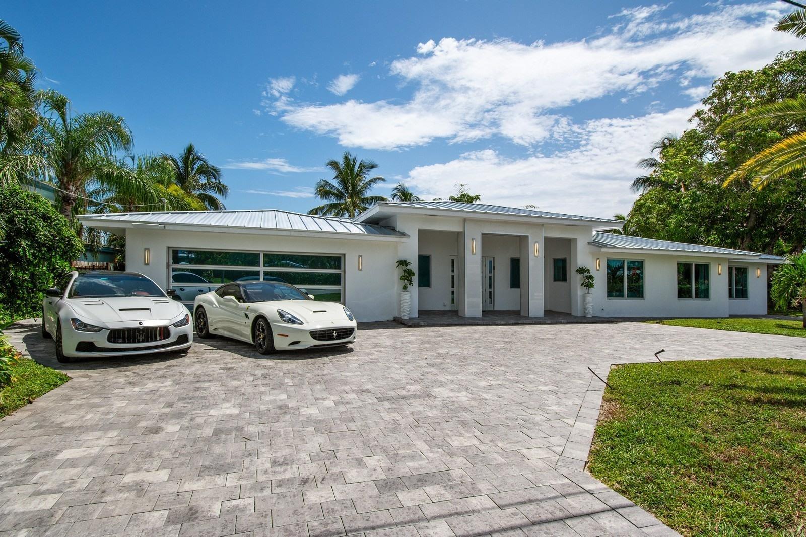 592 SE 15th Avenue - Deerfield Beach, Florida