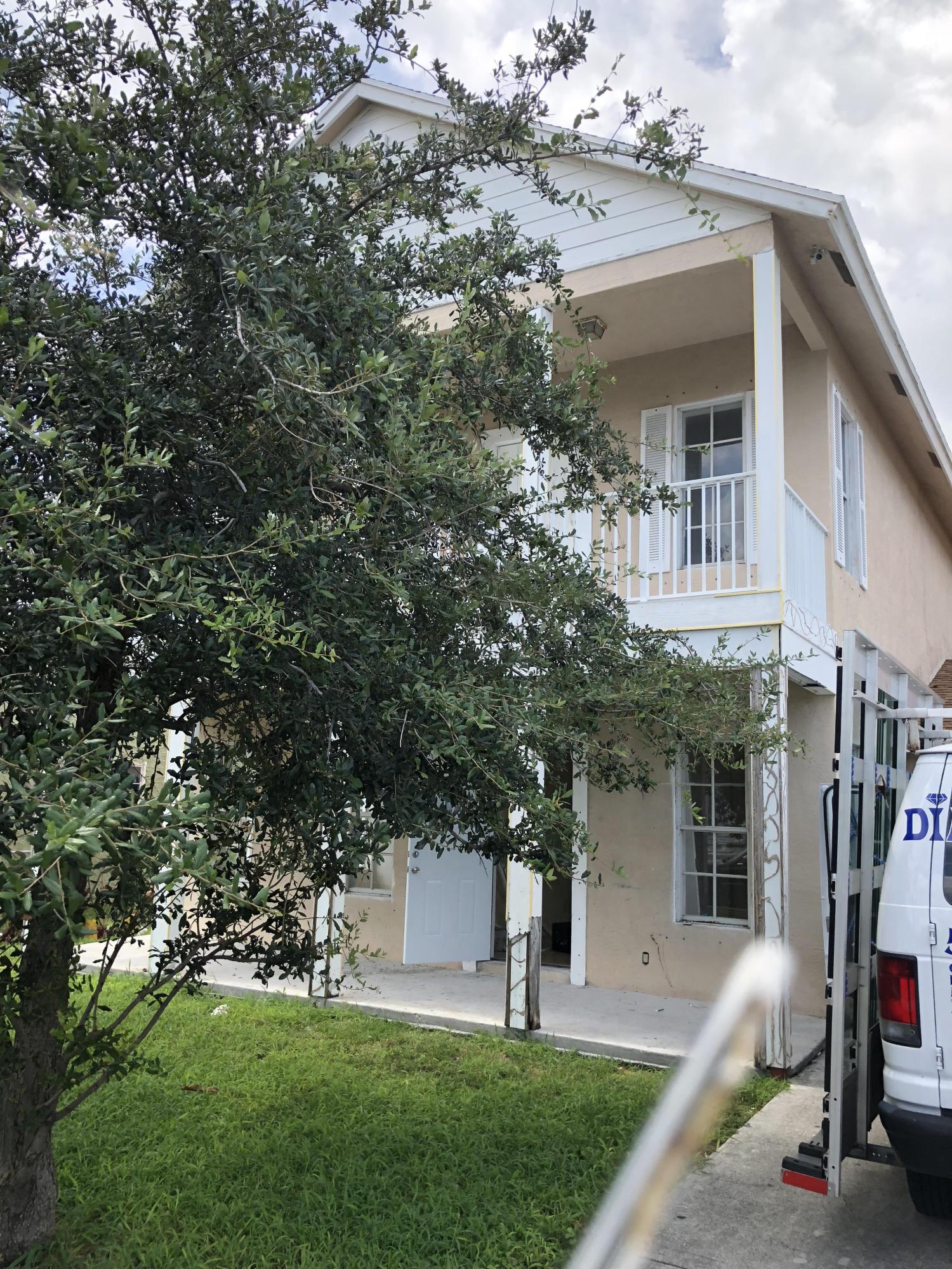 615 39th Street West Palm Beach, FL 33407