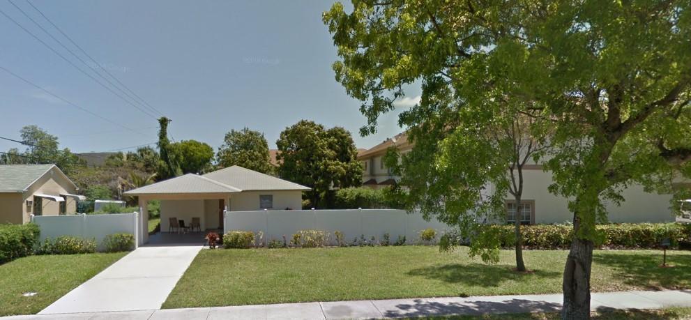 627 S Swinton Avenue  Delray Beach, FL 33444