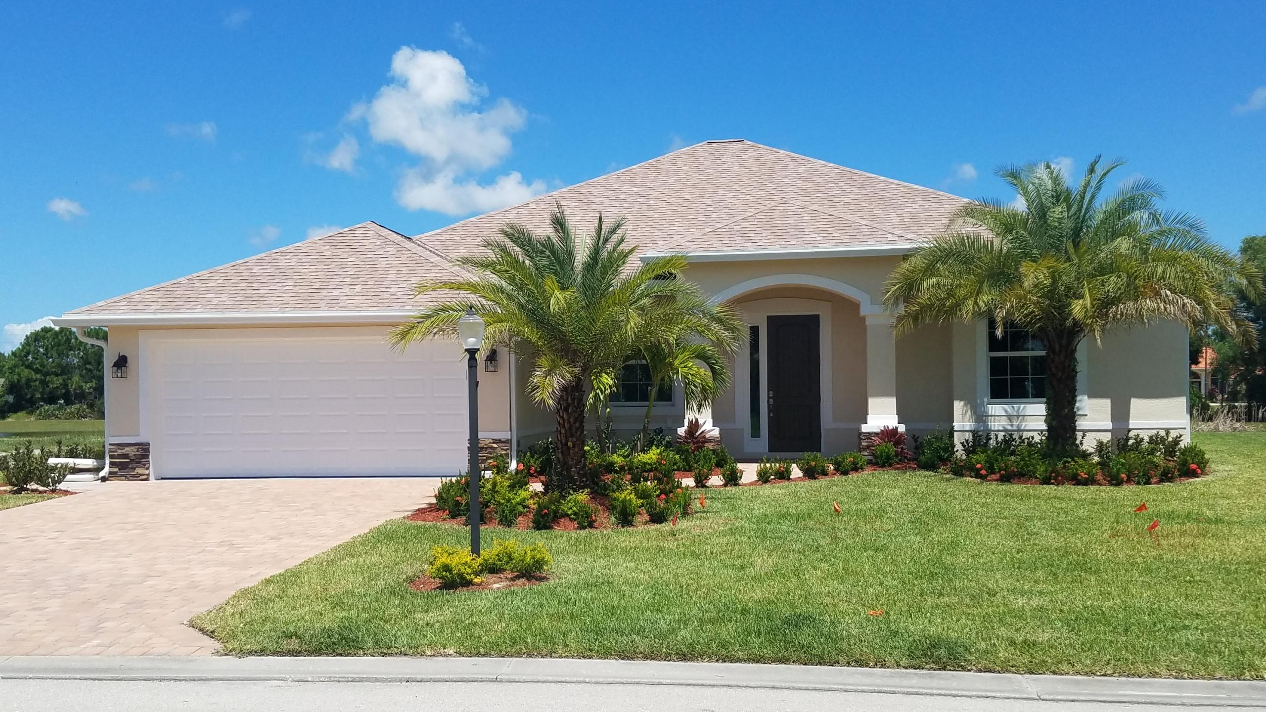 Photo of 371 SW Vista Lake Drive, Port Saint Lucie, FL 34953