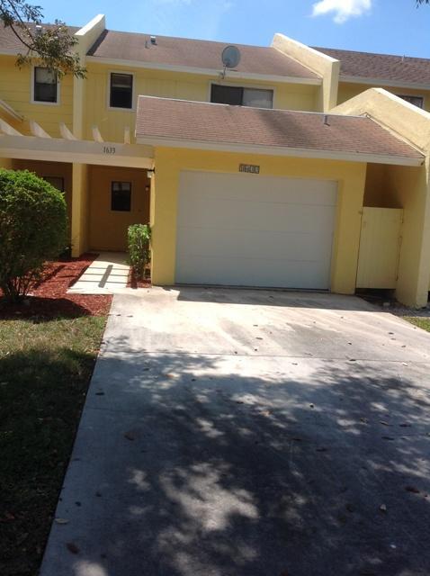 1633 Woodbridge Lakes Circle West Palm Beach, FL 33406