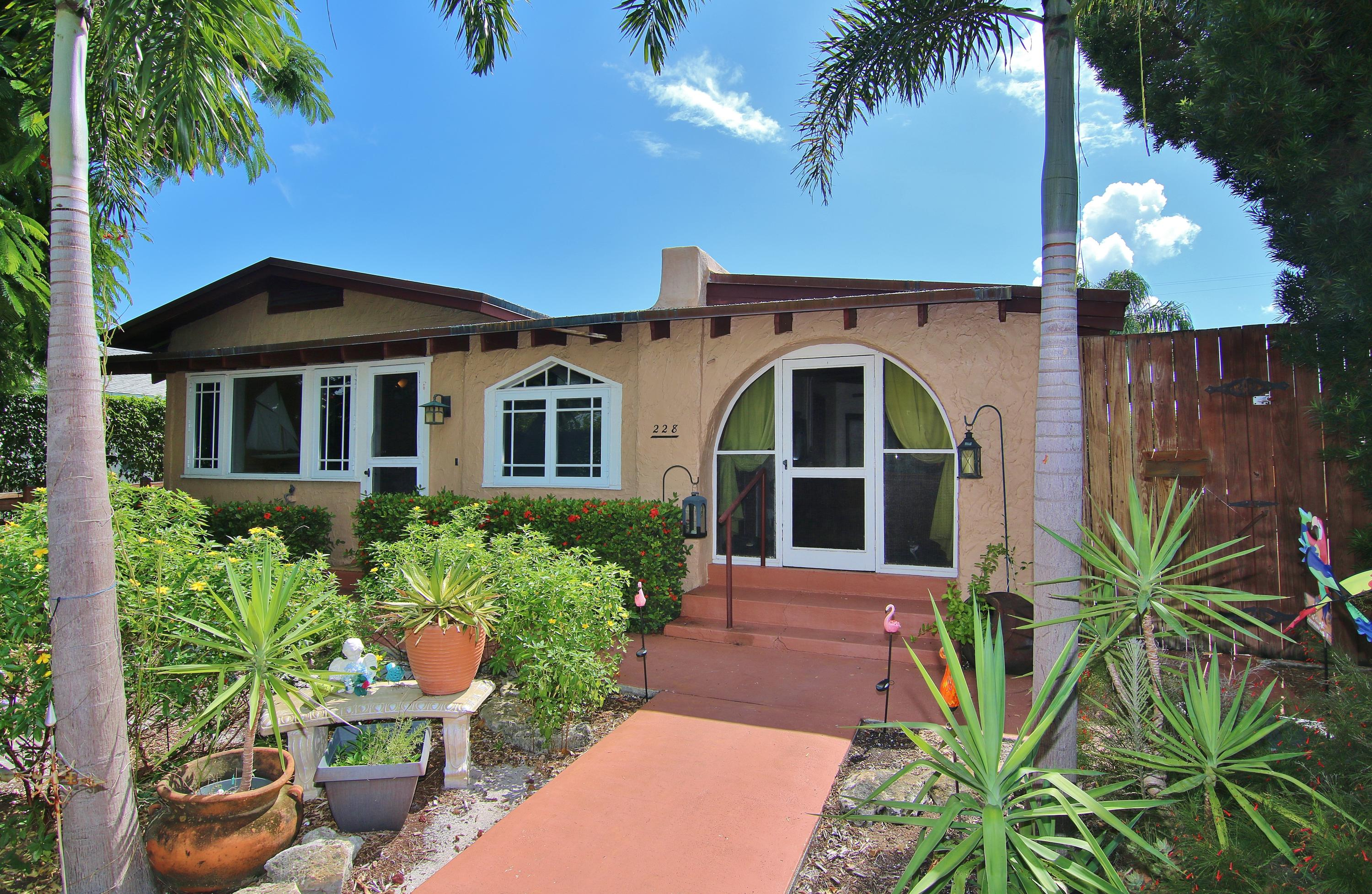 Home for sale in LAKE WORTH TOWN OF LT 2 BLK 97 Lake Worth Florida