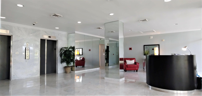 2425 Presidential Way 904 West Palm Beach, FL 33401 photo 17