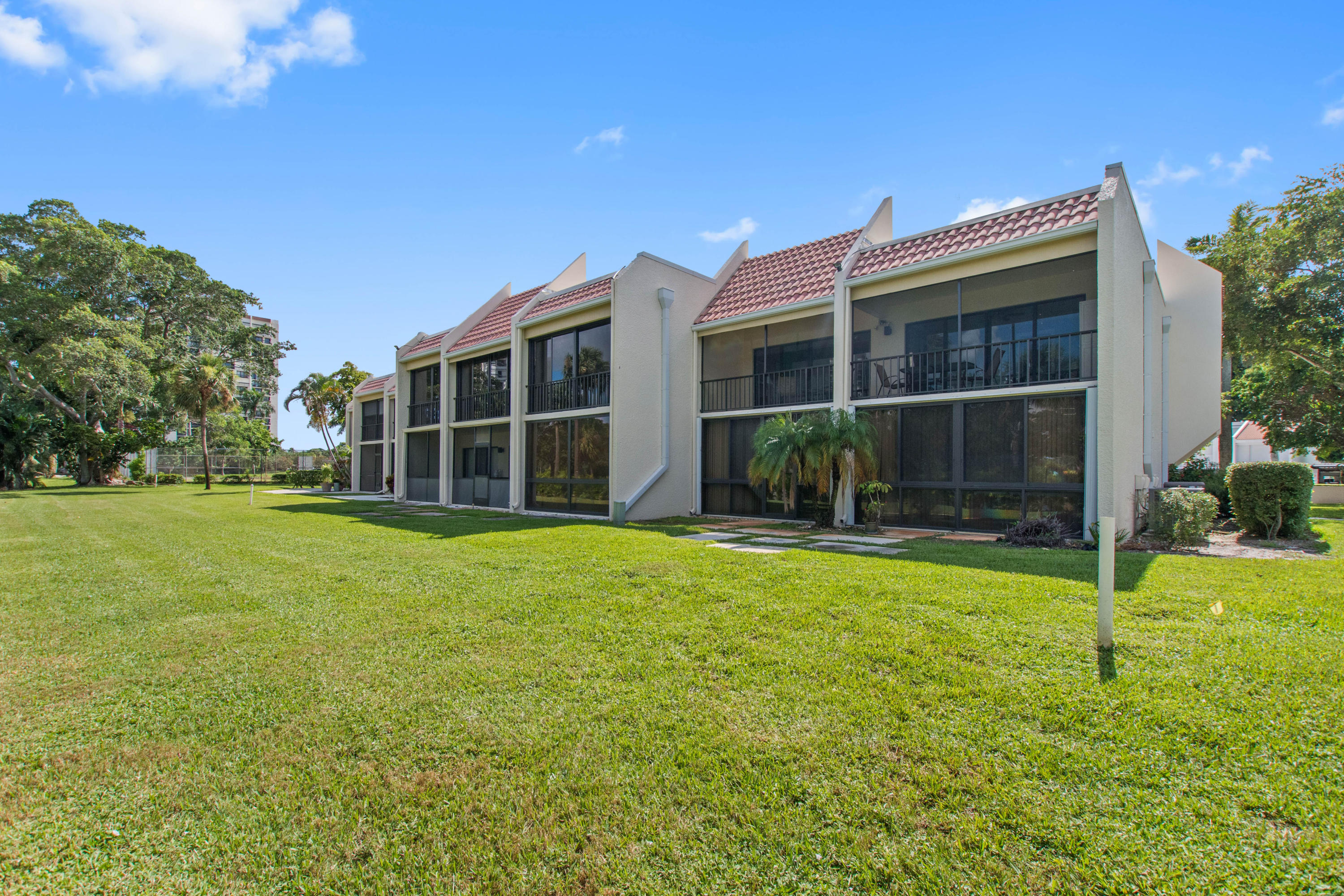 Photo of home for sale at 1901 Presidential Way, West Palm Beach FL
