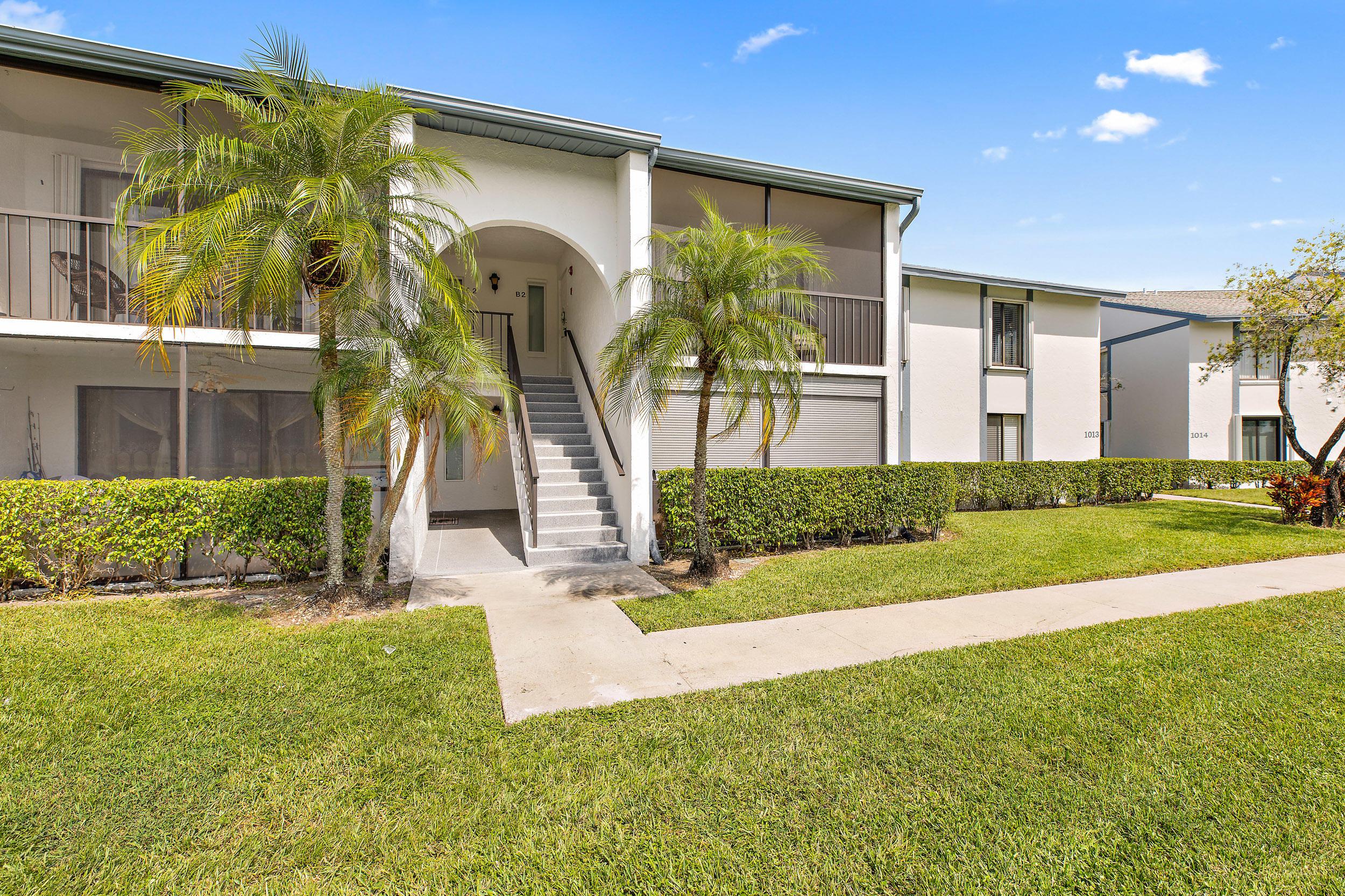 1013 Green Pine Boulevard B2 West Palm Beach, FL 33409 photo 2