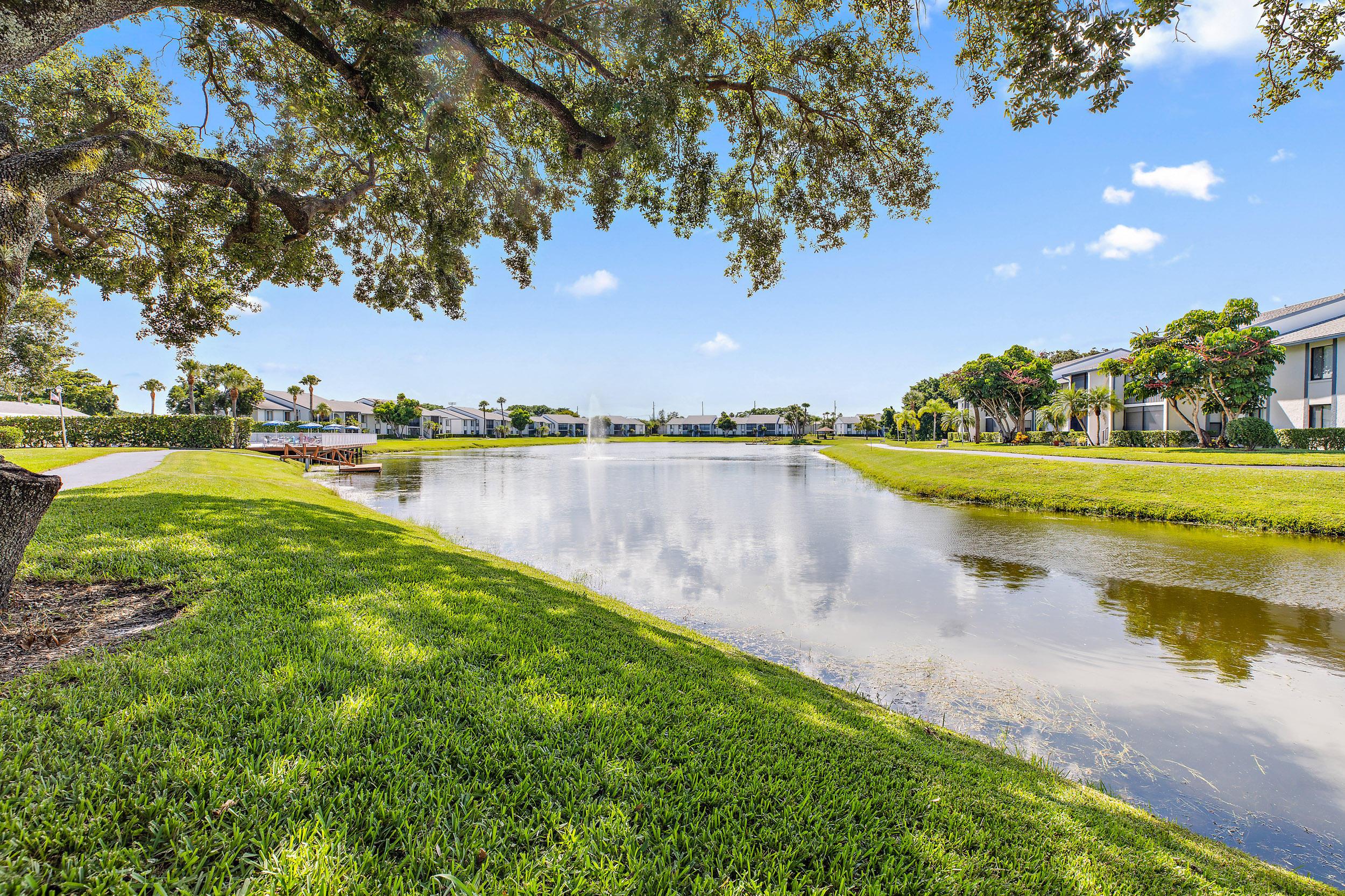 1013 Green Pine Boulevard B2 West Palm Beach, FL 33409 photo 14