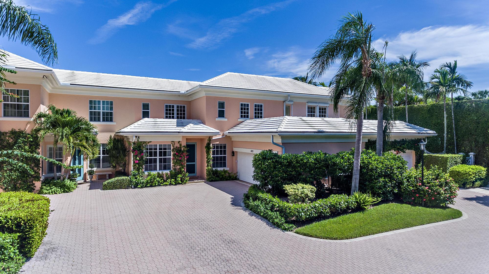 Photo of home for sale at 421 Brazilian Avenue, Palm Beach FL