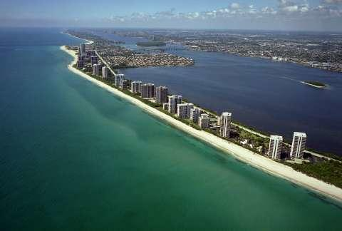 DUNES TOWERS REALTY