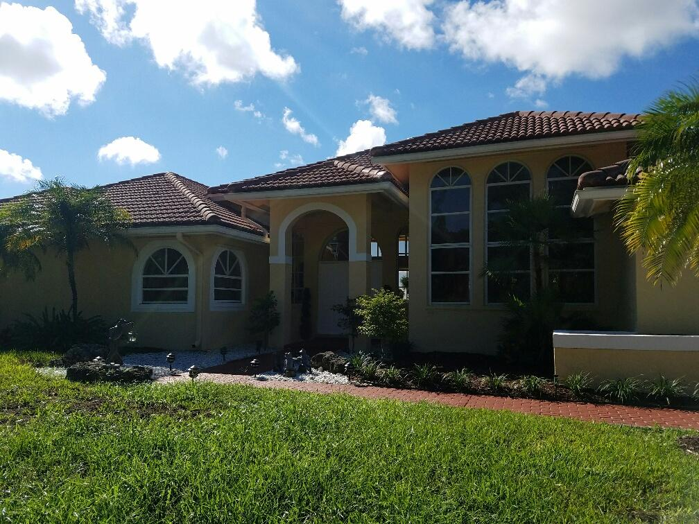 Photo of home for sale at 10431 Stonebridge Boulevard, Boca Raton FL